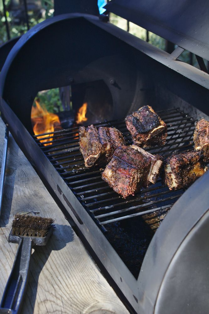 bbq short ribs on the grill