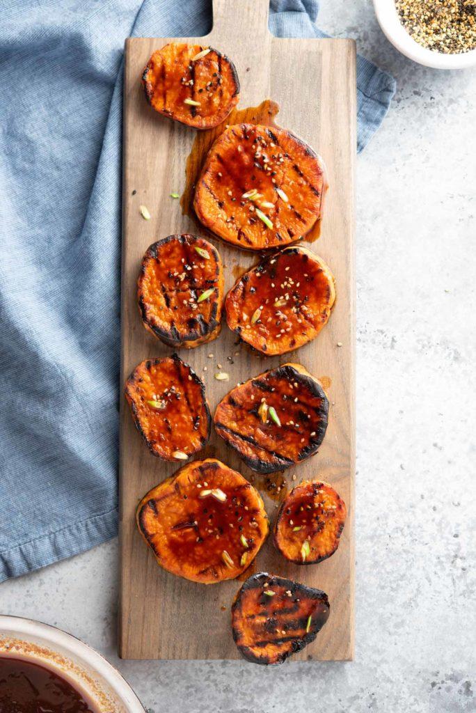 chili glazed yams (sweet potatoes) with sesame seeds