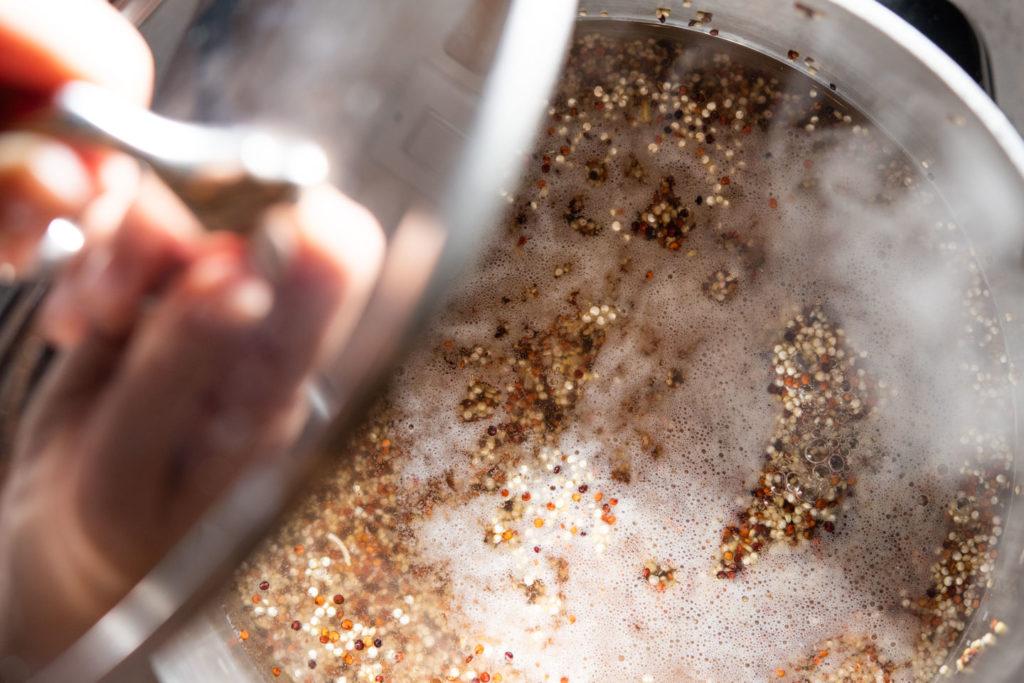 simmering quinoa